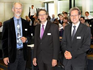 V.l.: Prof. Stanske, Prof. Dr. Schulz, Prof. Dr. Föhrenbach
